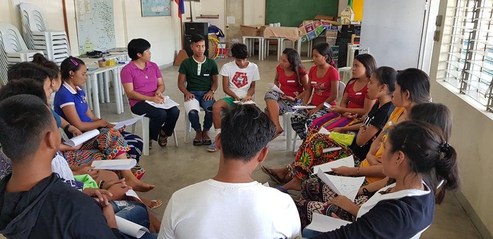Sr Joy facilitating a formation activity with the Badjao youth leaders