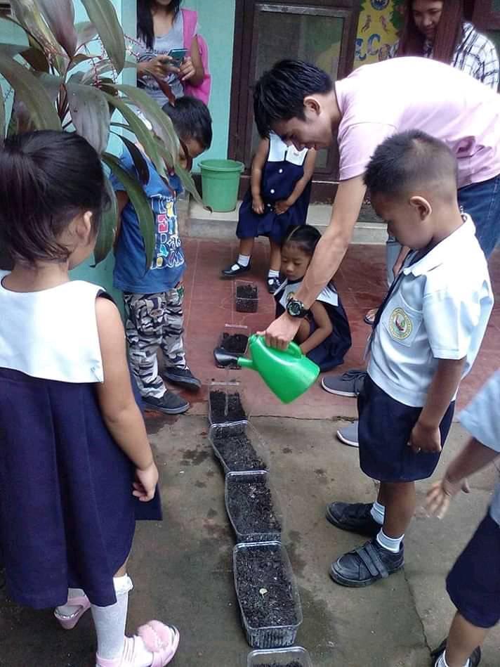 Gardening with Kinder pupils