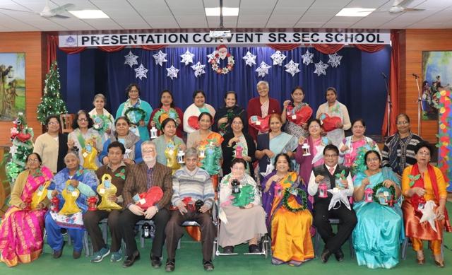 Celebrating Christmas with retired teachers