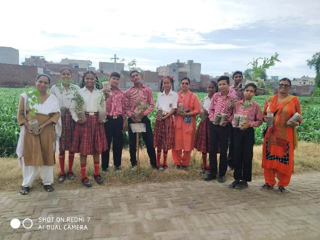 Promoting SDG 13 by distributing plants to children